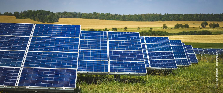 Durch die Nutzung von Solarenergie und anderer erneuerbarer Energien soll insgesamt eine günstige Energiebilanz entstehen.